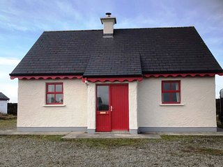 No 8 Lettershask - Country living chic, pet friendly, free internet, Ballyconneely