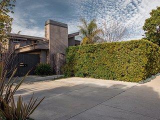 Beautiful Open Floor-Plan Home in Venice Beach, Los Angeles