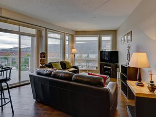 Well-Furnished Fourth Floor Condominium in the Heart of Downtown Kelowna