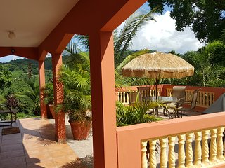 Live Like a Local in Large Secluded Vacation House near rain forest and beaches!, Rio Grande