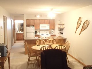 Large corner unit 2 bed/2 bath Condo  Pet Friendiy
