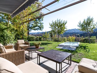 Gorgeous Modern Living, Stevenson Ranch