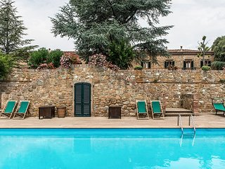 Luxury Villa Near San Gimignano in Tuscany