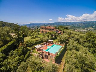One of the best villas in the area, Villa Montecatini is ideal for relaxing fami