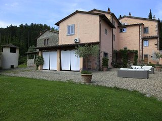 This Tuscan  Villa near Arezzo offers a total of  seven bedrooms, six bathrooms,