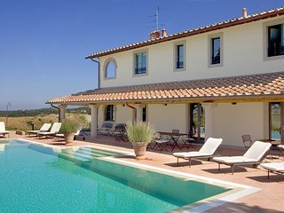 Beautiful holiday home for large group of friends or family in Tuscany looking f