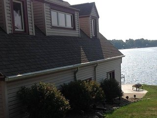 Anna's Lakehouse, North Webster