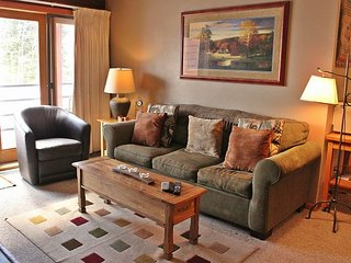 Cozy one bedroom condo in Silverthorne with great clubhouse access