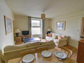 Middle Apartment (WAH587), Barmouth
