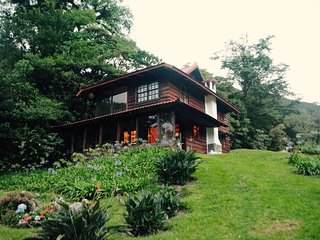 Rustic Cabin Surrounded by Nature, Alajuela