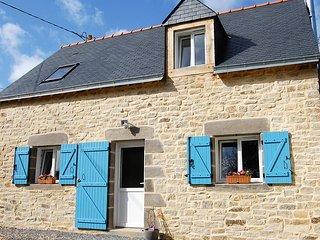 Coet Moru Gites, Lavender Cottage, detached cottage with rural views, Rohan