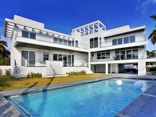 Stunning ultra contemporary high-end residence - welcome to Casa Marena!