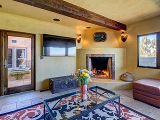 Beautiful and luxurious Spanish colonial masterpiece w/ private hot tub, La Jolla