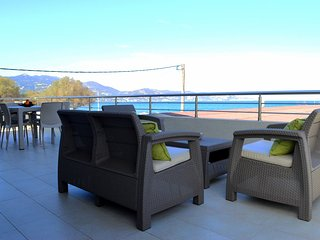 Ammos Beachfront Luxury Apartment, Ammoudara