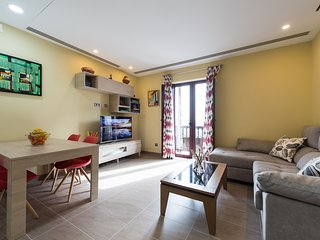 NEW LUXURY APARTMENT 100 METERS TO THE BEACH, Wifi FULL 300mb and TV-SATELITEL