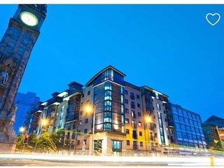 Belfast City Centre Between Titanic & Cathedral Quarter's Superb City Views