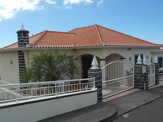 Mara III, Large And Wonderful House Ideal for Families or Groups Unique Views, Ponta Do Sol