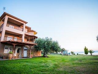 Bouganvillia Villa Kastri - 7 Bed/16 people