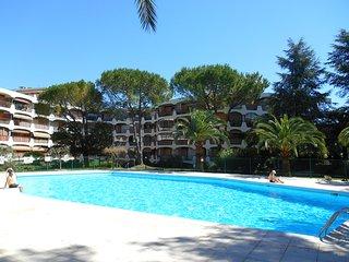 Appartement 'Le Soleil d'Azur' avec piscines, proche de Cannes et des plages