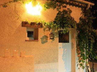 Duplex 30m2 avec jardin, vélos élec, SPA Piscine chauffé solaire, tout confort,, Juan-les-Pins