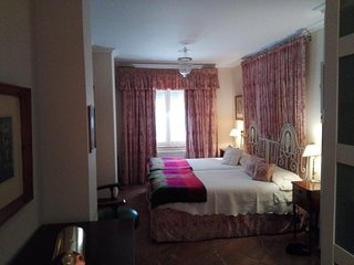 Beautifull apartmet close to Plaza de Espana and Feria