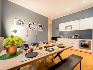Smartflats Antwerp Central 402 - 2 Bedrooms - Meir area