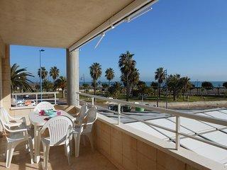 (ref 129) Apartamento para 6 en 1a linea de playa con piscinas y pkg comunitario