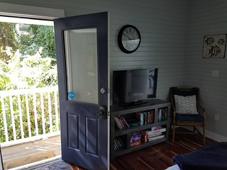 Carriage House located off 30A.1.5 bed/1 bath