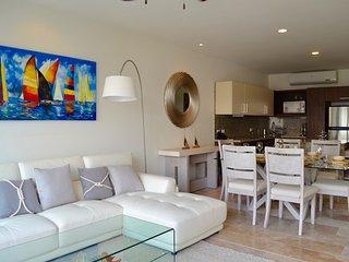 Comfortable & brand new  2bedroom PH in the heart of Playa del Carmen!
