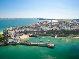 Beautiful Tenby and award winning Harbour beach