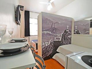 Ótimo Apartamento Compacto Três Quadras da Praia