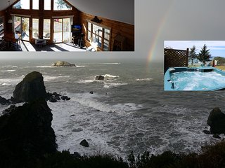 Oceanfront Chalet -  Spectacular views! Hot tub, loft, camp firepit, wifi