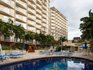 Wyndham Waikiki Beach walk 1 bedroom close to beach and Royal Hawaiian Center