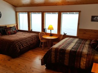 Superior Family Room #7/FREE BREAKFAST / Bay & Mountain Views / Tours available, Seward