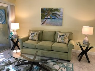 JUNE SALE! $110/nt; New 2/2 condo! Walk to Siesta Key