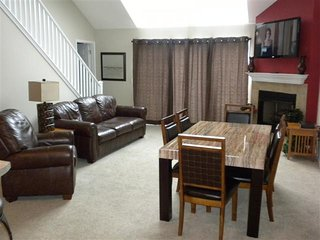 ** Free Night Thru June ** 5BR/3BA On Main Channel W/ 2 Master Suites -7 Bed