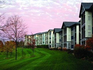 Holiday Inn Lake Geneva Resort - Fri-Fri, Sat-Sat, Sun-Sun only!
