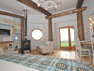 28760 Log Cabin in Aberaeron