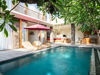 Affordable 2bdrs Villa In Seminyak - Villa Ruandra