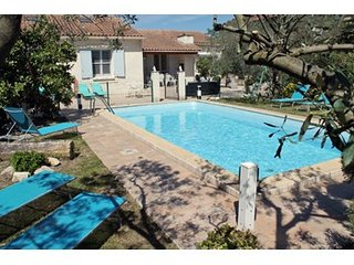 Luxury villa with private pool, Maillane