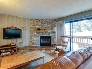 Dog-friendly w/ a shared pool & hot tub, gas fireplace & grill