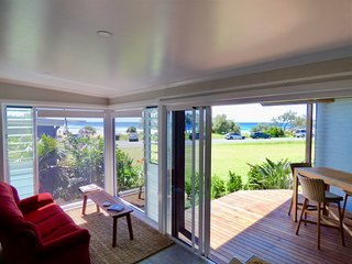 ArtHOUSE Beachfront Accommodation No.3, Emerald Beach