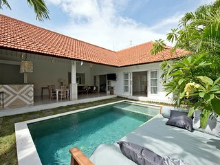 3 Bed Canggu Beach Villa, 3 mins walk to sand
