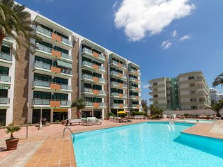 Nice apartment in Playa del Ingles with pool