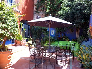 Pet-Friendly 3 Story Home in San Miguel, San Miguel de Allende