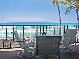 Direct Oceanfront Condo #204  ~Master Bdrm with Ocean View~Wi-Fi~Parking~A/C~W/D