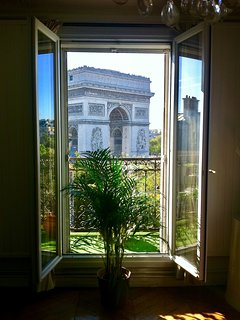 Gorgeous view on Arc de Triomphe