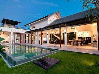 Vasana, 5 Bedroom option, Ultra modern Villa, near to Seminyak, Canggu