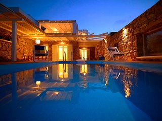 Villa Sones, up to 18 guests, Panormos
