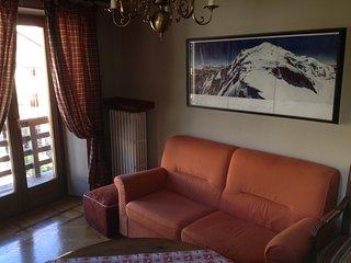 Maison Mont-Blanc:Ampio e luminoso alloggio nel centro di Courmayeur